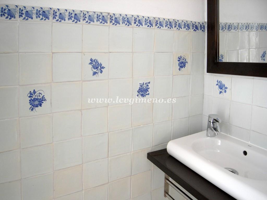 La ceramica valenciana de jose gimeno - Azulejos azules para bano ...